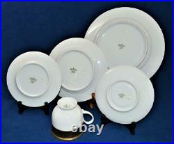 New ROSENTHAL Germany Gold Encrusted Black Aida DYNASTY 5 Pc Place Settings