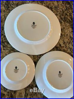 Wedgewood Colonnade Black Fine China 2 five piece place settings
